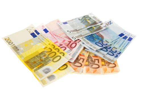Lenen vanaf 18 jaar en tips hoe je snel aan geld kunt komen Spoed leningen