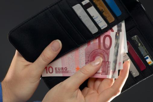 Telefoon kapot Met spoed 350 euro lenen voor een nieuwe!